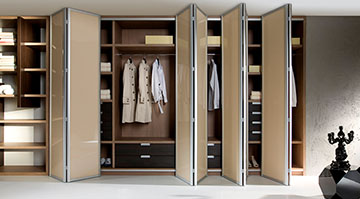 Шкафы-купе со складными дверями
